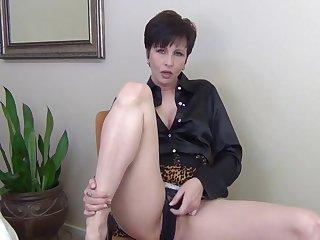 Шикарный секс от первого лица в номере отеля со знойной мильфой