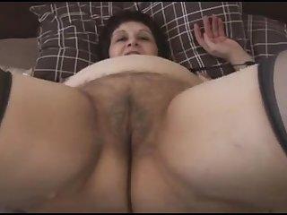 Небритая пизда толстой 50 летней тётки
