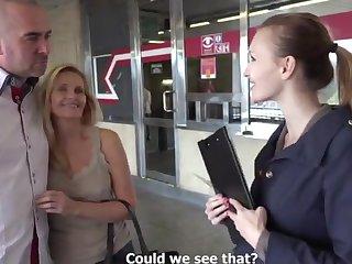 Порно агент уговорила супругов попробовать секс на улице