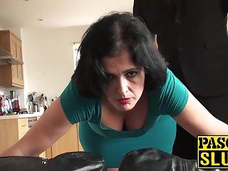 Возбуждающий анал со взрослой теткой в зеленом платье